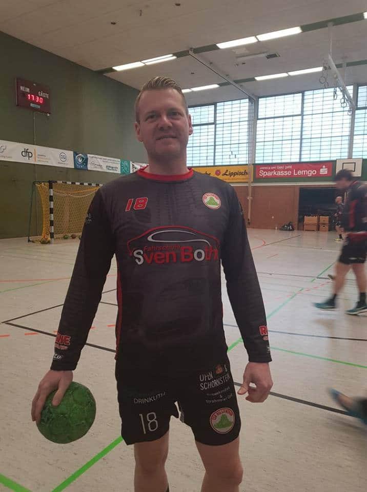 Fahrschule Sven Bothe - Spieler im Trikot Hillentrup