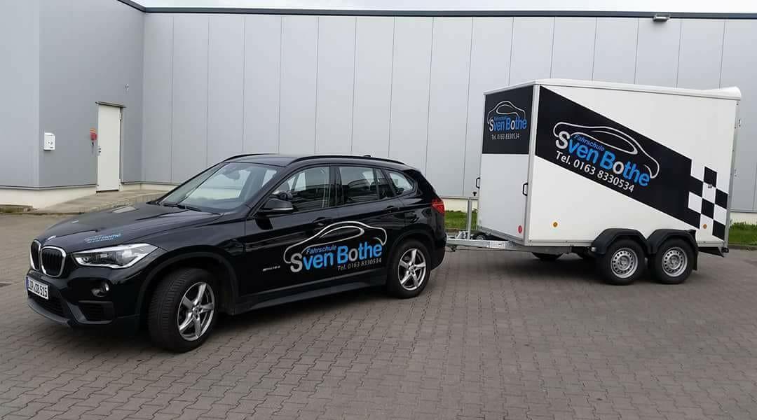 Fahrschule Sven Bothe - BMW 1er mit Anhänger